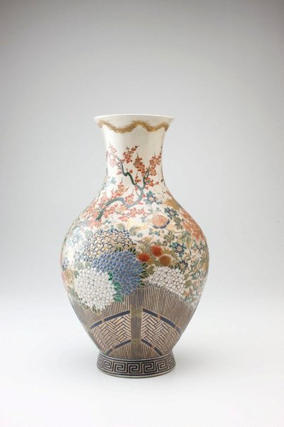 An image of Vase with design of flowers and thatced fence by Hosai, Satsuma ware