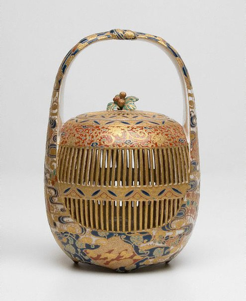 An image of Cricket cage by Satsuma ware, Hodota Takichi, MASANOBU