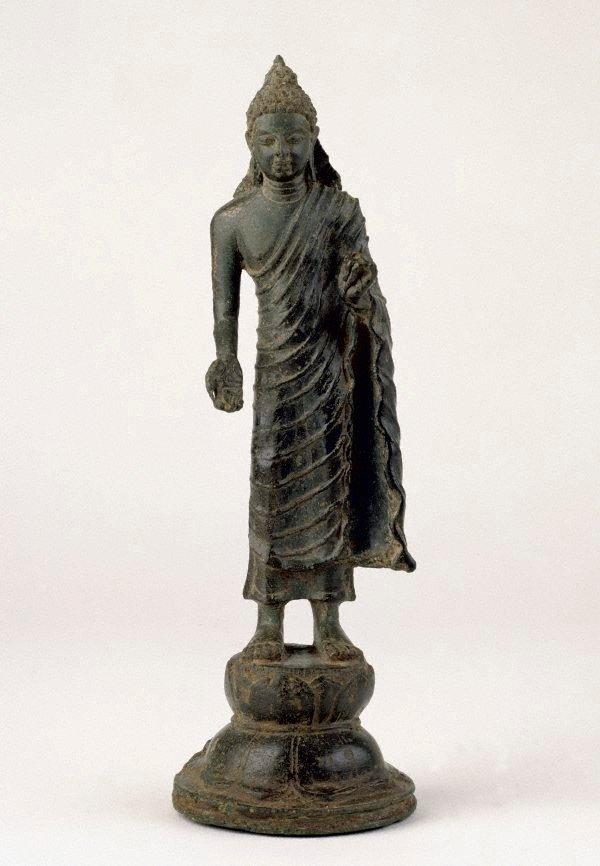 An image of Standing Buddha
