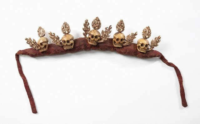 An image of Skull crown