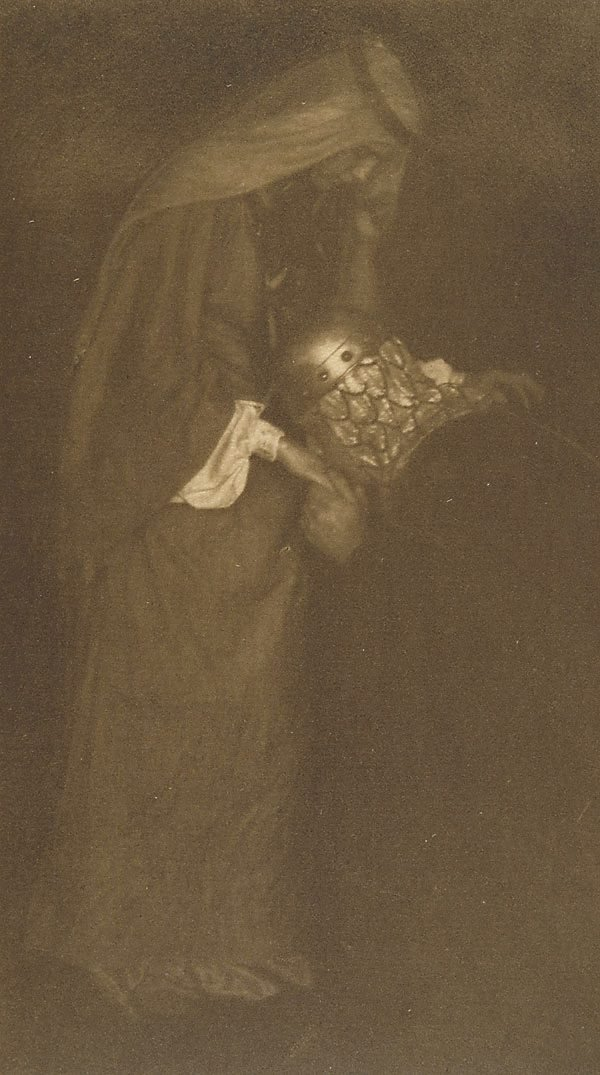 An image of Ilustration no 22 (Knight kissing hand of maiden from Arthurian legend), from Camera Work, no 27, July 1909