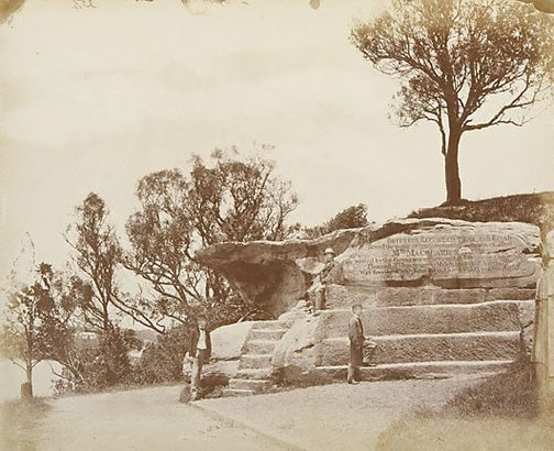 An image of Mrs Macquarie's Road by attrib. Charles Bayliss, American and Australasian Photographic Co