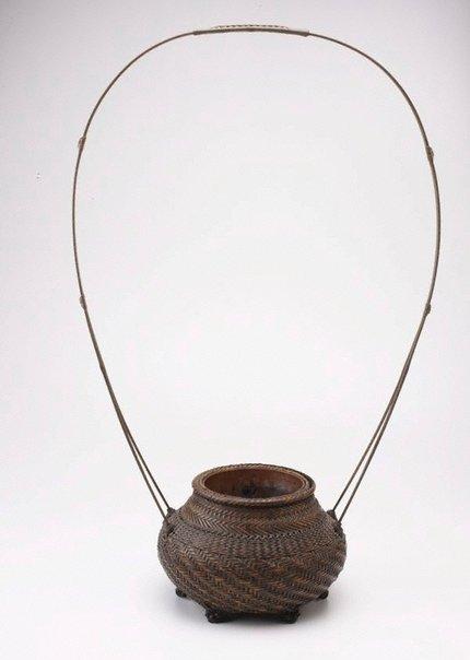 An image of Peony basket by Chikurakusai