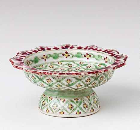 An image of Small tazza with 'trellis and rice ball' pattern