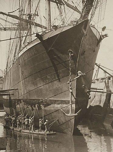 An image of (Ship painters, 'The winterhude') by Henri Mallard