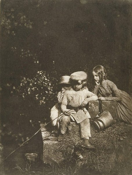 An image of The minnow pool (children of Mr Charles Finlay, Edinburgh) by David Octavius Hill, Robert Adamson