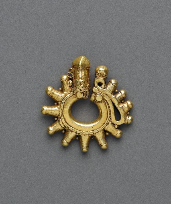 An image of Ear ornament or pendant (duri-duri)