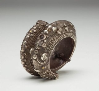 AGNSW collection Bracelet (rumbung or gelang tangan) late 19th century-early 20th century