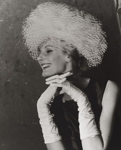 An image of London fashion (James Wedge hat) by Lewis Morley