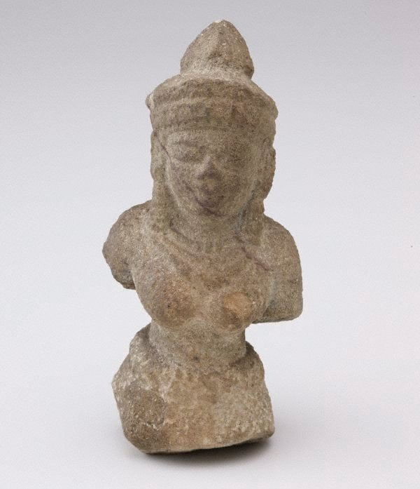An image of Bodhisattva with jewellery and headdress