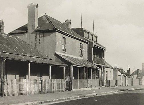 An image of Old Sydney (cottage) by Henri Mallard