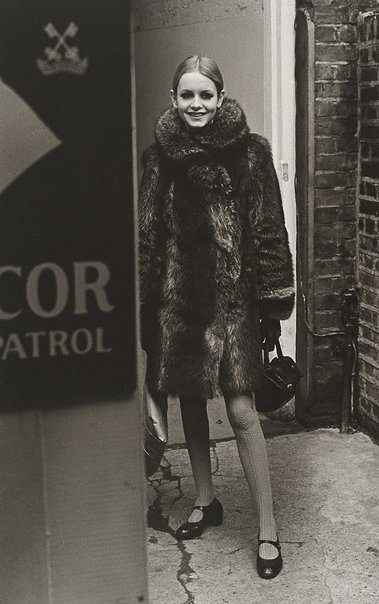 An image of Twiggy for 'London Life' by Lewis Morley