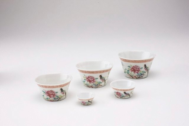 An image of Set of five wine cups with bird designs