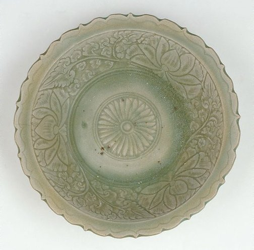 An image of Deep circular bowl with everted foliate rim by Sawankhalok ware