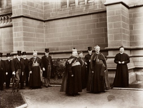 An image of Untitled (group at St. Mary's Cathedral) by Unknown, Kerry & Co