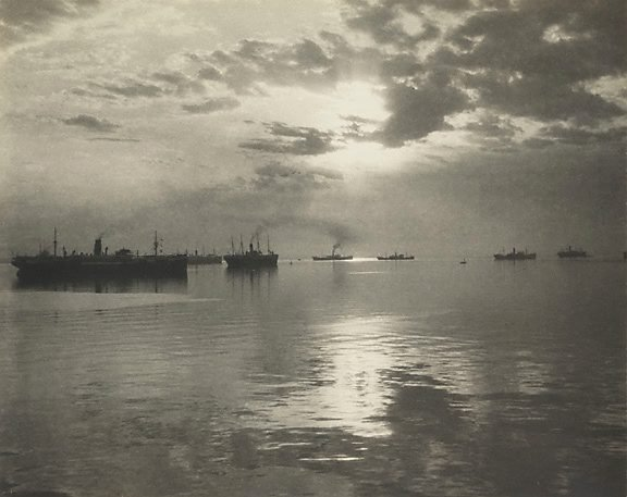 An image of First troopships leaving Albany, Western Australia