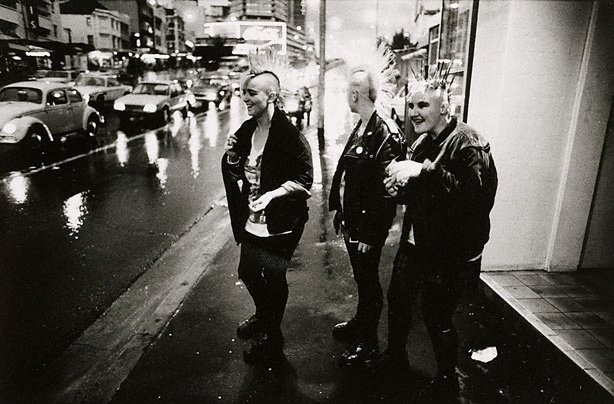 An image of Punk women, William Street Kings Cross
