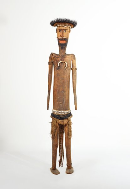 An image of Decorated male figure by Awiyaana (Auyana) people