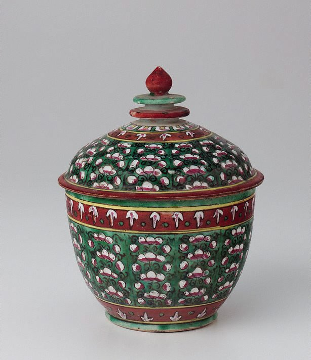 An image of 'Toh' jar decorated with coloured flowers in vertical patterns