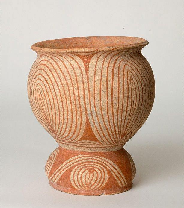 An image of Pedestal bowl
