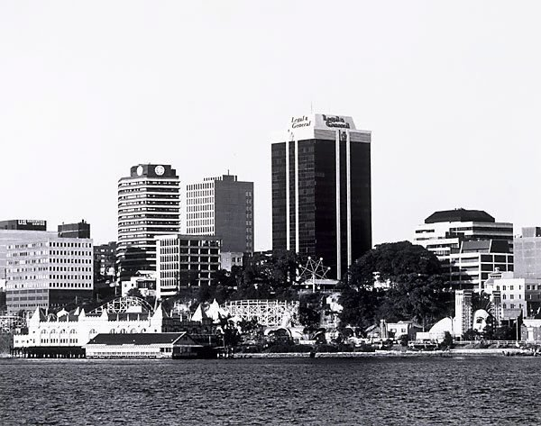 An image of Port Jackson: Milsons Point 1979