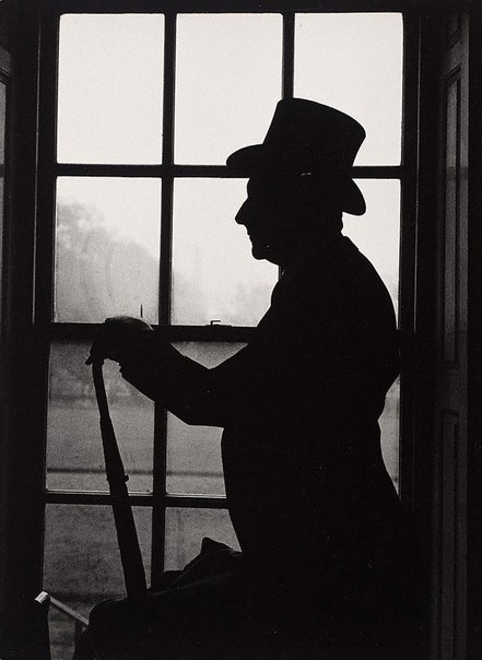 An image of Cecil Beaton, Royal Hospital Chelsea, London by Lewis Morley