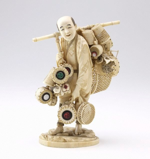An image of Figure of toy and basket seller (okimono)