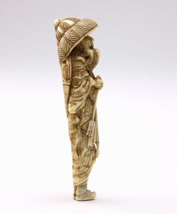 An image of Netsuke in the form of a Mongolian archer