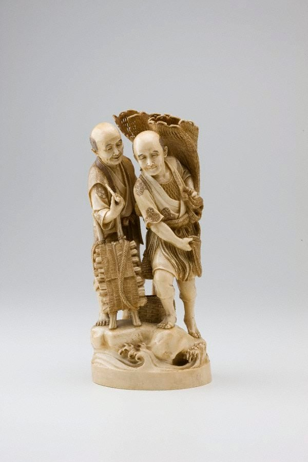 An image of Group of a fisherman and a woodcutter (okimono)