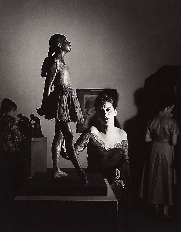 An image of Tondi Adams with Degas statue, Epstein retrospective, Tate Gallery, London