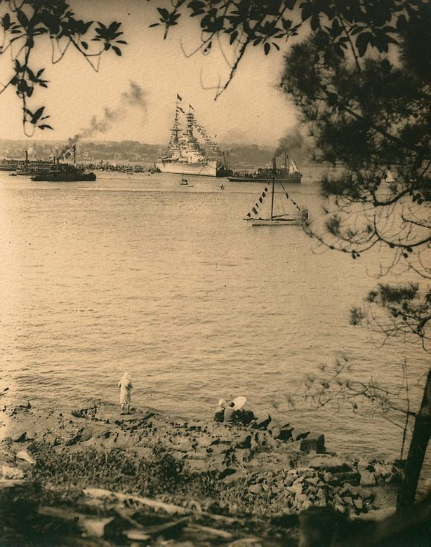 An image of Untitled (HMS Renown taken from Kurraba Point, Sydney Harbour at the time of the visit of the Duke and Duchess of York)