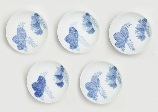 An image of Set of 5 round dishes with Paulownia design by Arita ware/ Nabeshima style