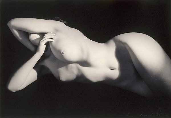 An image of Untitled (Nude horizontal against black)
