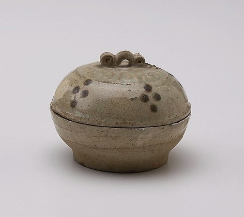 An image of Covered bowl by Jingdezhen ware
