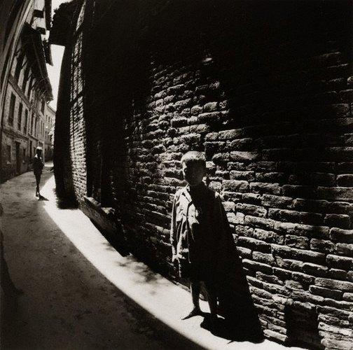 An image of Street boy – Kathmandu by Max Pam