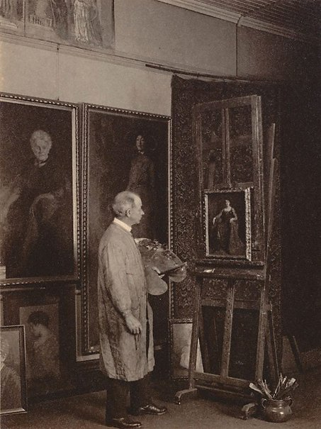 An image of Norman Carter in his studio by Harold Cazneaux