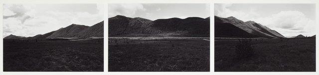 An image of Alaska pipeline, Brooks Range, Alaska