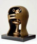 Alternate image of Helmet head no. 2 by Henry Spencer Moore