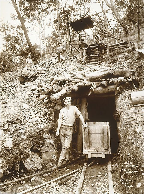 An image of Gold mining in New England