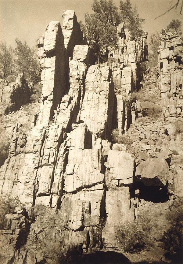 An image of Warrens Gorge, Flinders Range