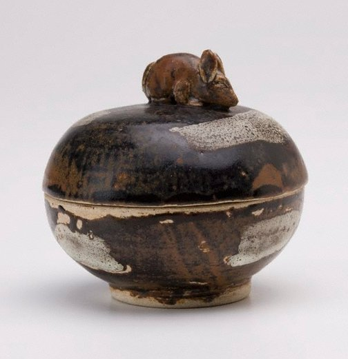 An image of Small covered jar by