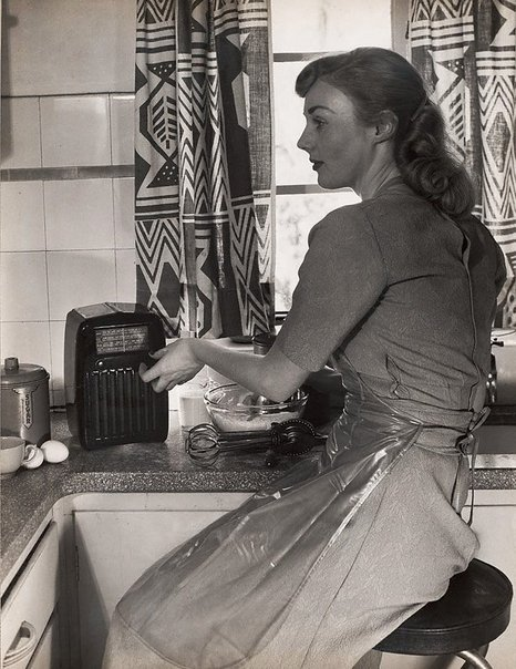 An image of Untitled (radio in kitchen) by Max Dupain
