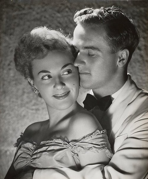 An image of Untitled (couple in evening dress) by Max Dupain