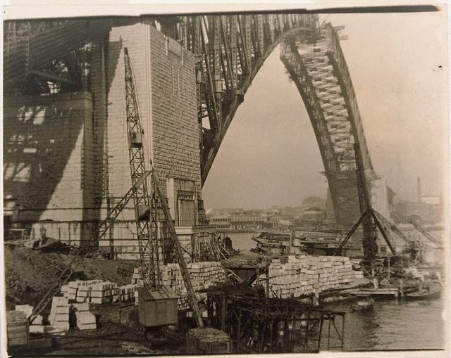 An image of Untitled (The Sydney Harbour Bridge in construction: view from Milson's Point of nearly completed arch)