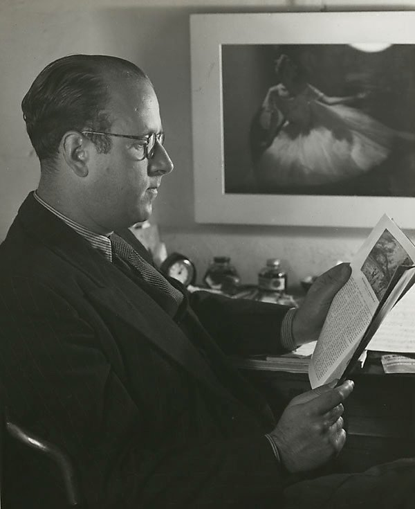 An image of Untitled (man in profile with magazine)