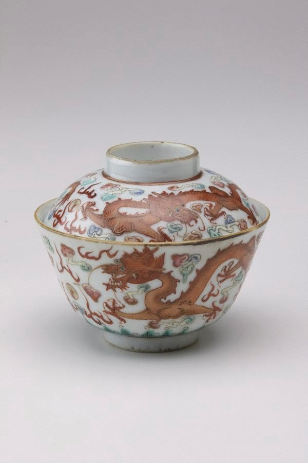 An image of 'Wucai' covered bowl with dragon and floral designs
