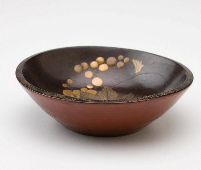 An image of Bowl with design of grapes