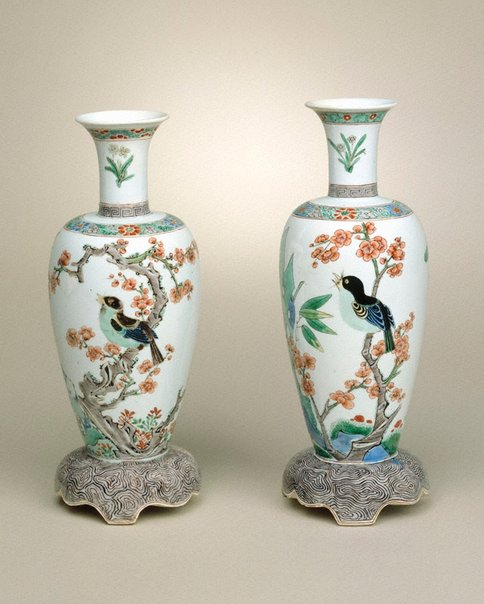 An image of Pair of vases by Jingdezhen ware