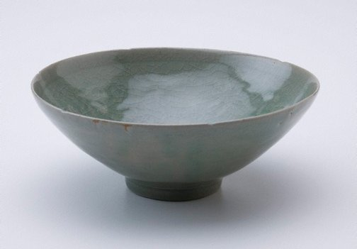 An image of Bowl with floral design by