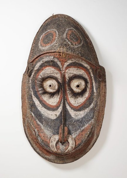 An image of Gable mask from ceremonial house facade by attrib. Kapriman people